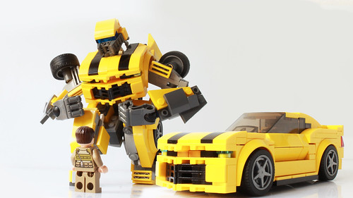 Lego Transformers Bumblebee (It transforms!))