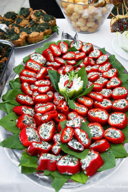 Перец, фаршированный сыром и жученицей