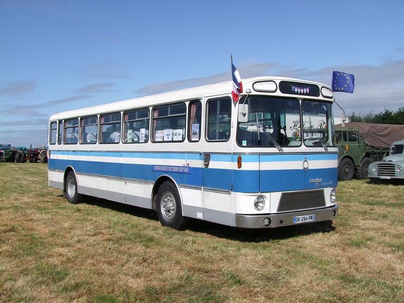 Rassemblement de camions anciens en Normandie 35526834436_d310a75ba6_c