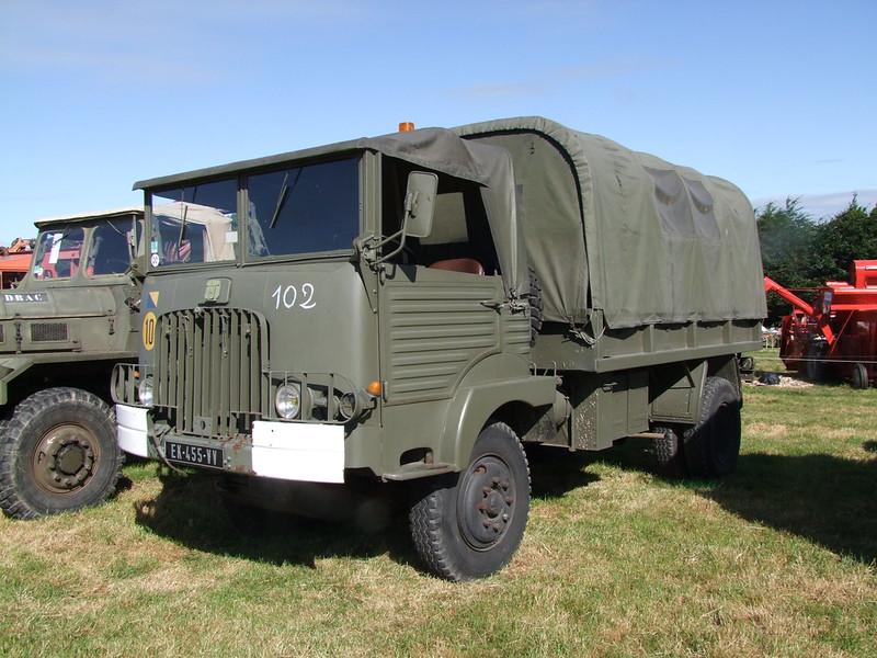 Rassemblement de camions anciens en Normandie 34721973893_8361b87a6a_c