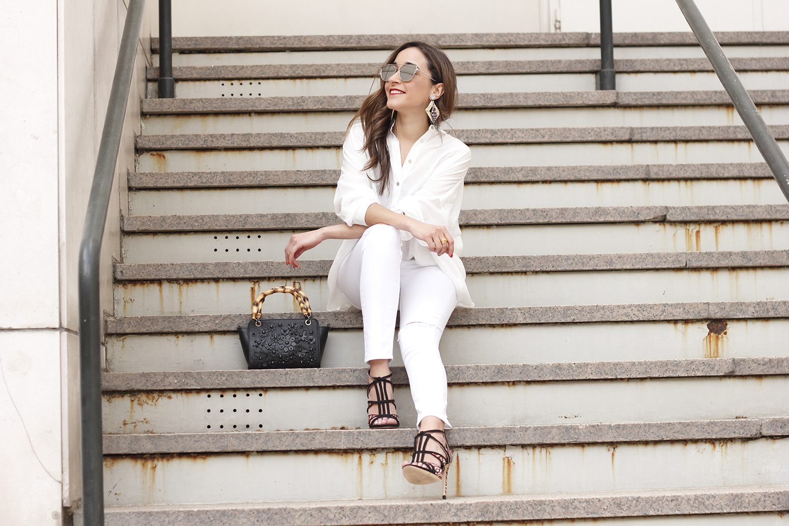 white outfit uterqüe bag heels summer style3