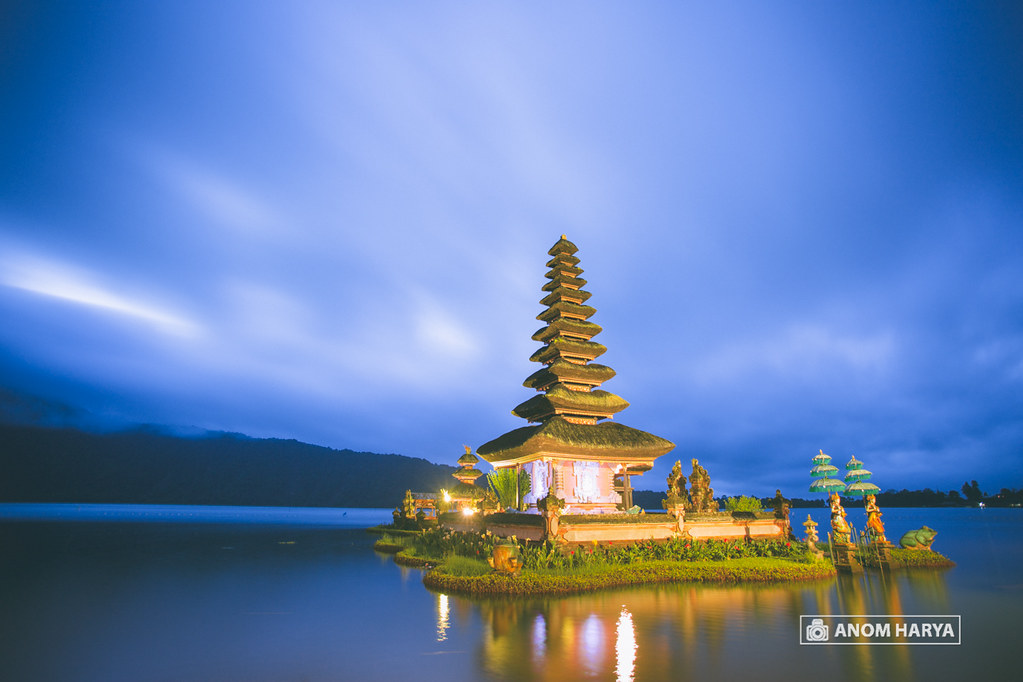 Ulun Danu Beratan Temple on Sunrise