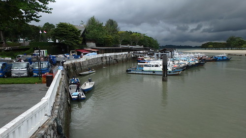 Changi Creek Jetty still well used by fish farmers, Jun 2017