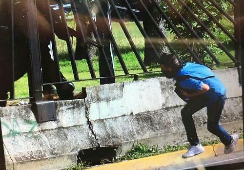 Venezolanos toman las calles en repudio por el asesinato de un manifestante