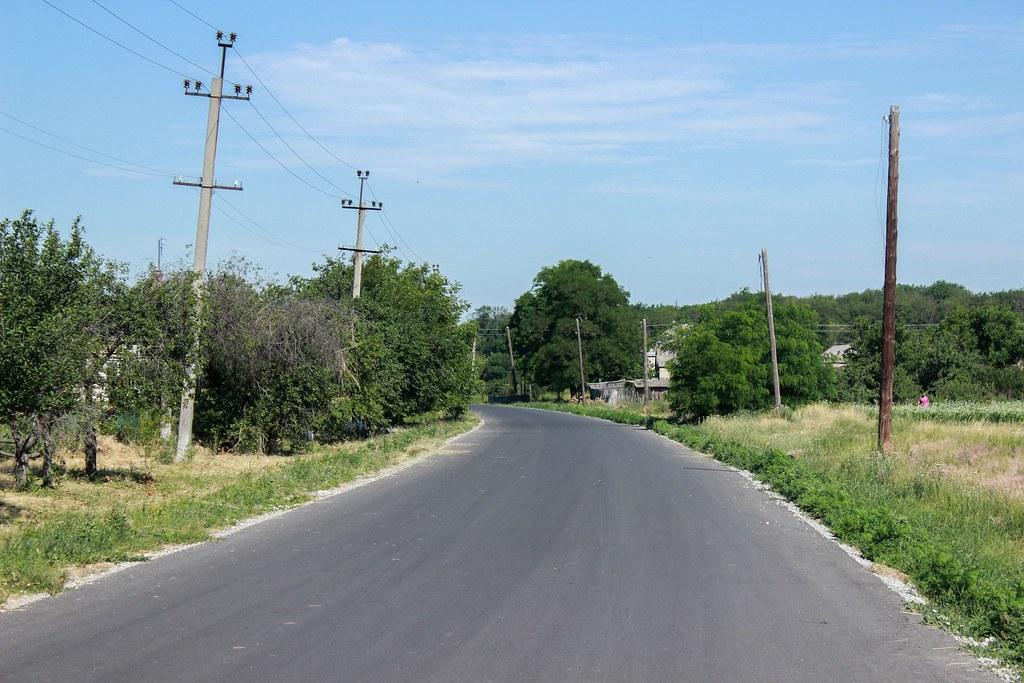 14. Вулиця соціально важлива - сполучає нижню й верхню частини села.