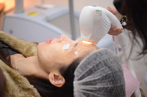 脈衝光是痘疤治療的新選擇,脈衝光治療痘疤有很好的效果,脈衝光全面打擊痘疤跟老化的問題,脈衝光是痘疤治療的推薦方法之一,要做痘疤治療要先規劃,才有好臉蛋