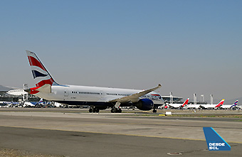 British Airways B787-9 taxiing in SCL (RD)