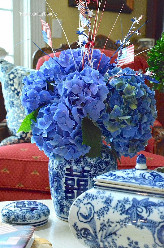 Blue and White-Hydrangeas-Housepitality Designs