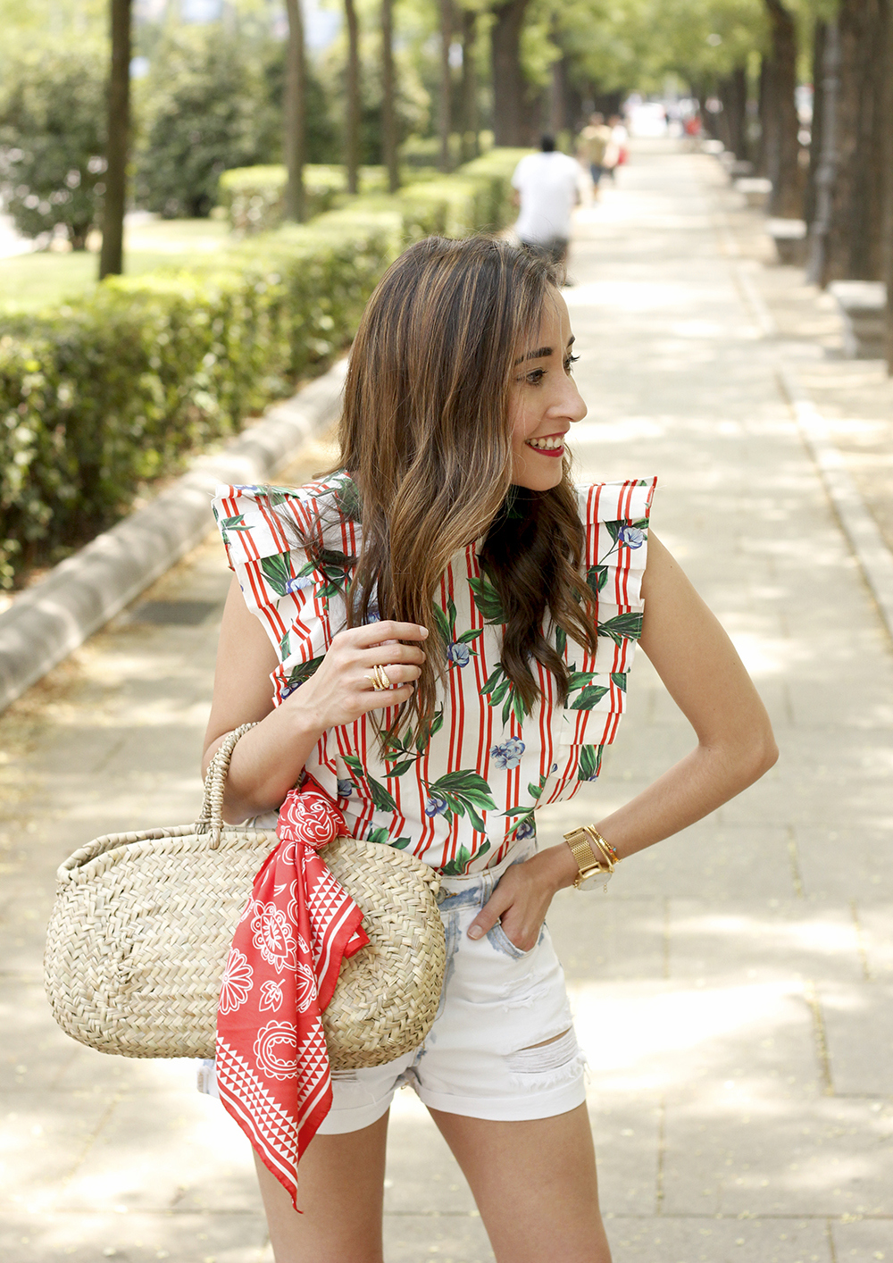 Top with stripes and ruffles midi heels ripped denim shorts summer outfit14