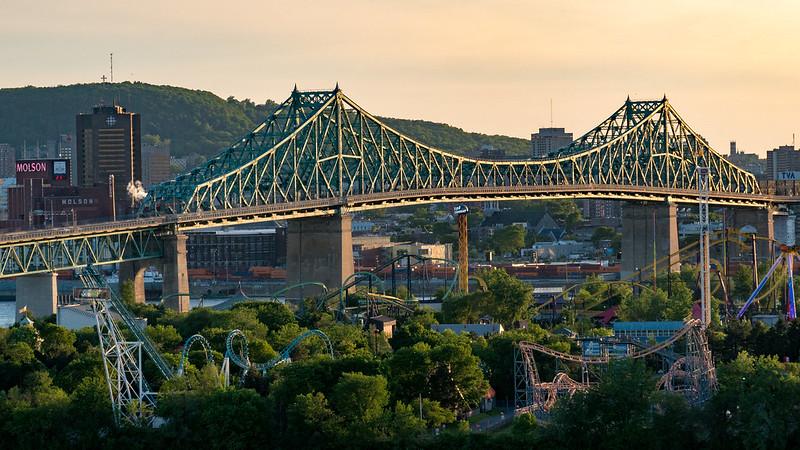 Sur les toits de Montréal 35148466892_f209aed30e_c