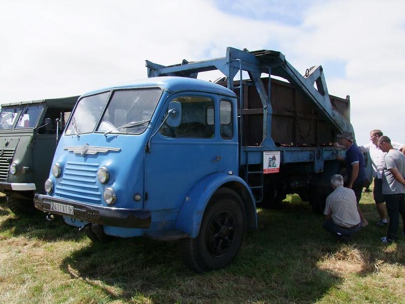Rassemblement de camions anciens en Normandie - Page 2 35248173670_9d1f09447c_c