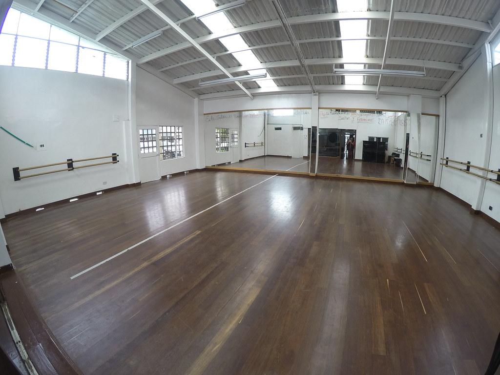 Espacio para alquilar - Salón 1er piso - Area: 10x9.0 mts