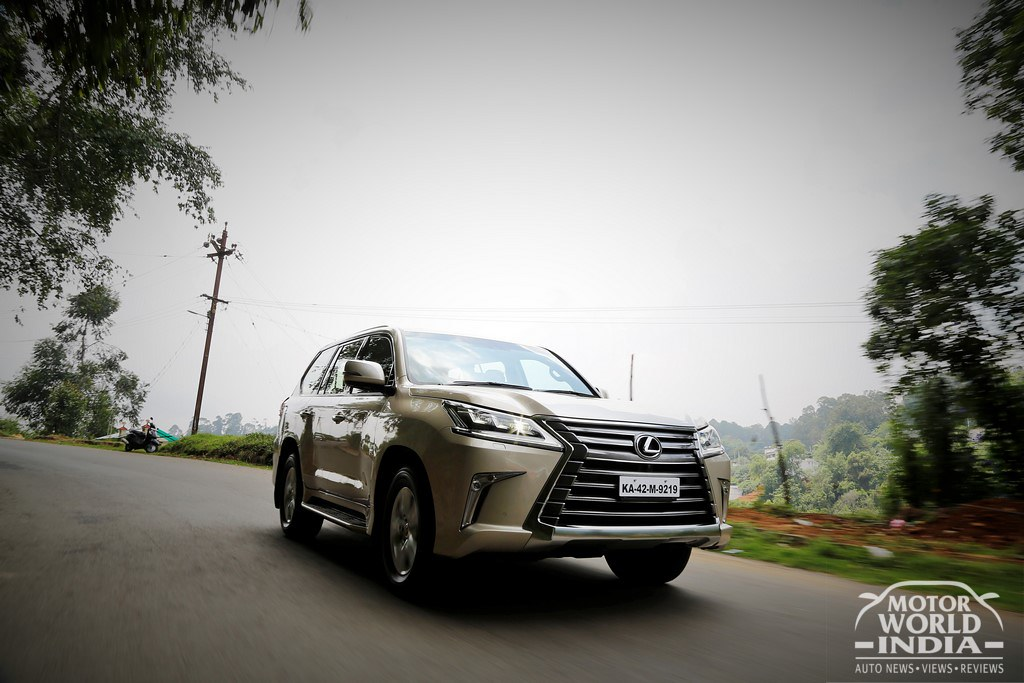 Lexus-LX-450d-Tracking-Shots