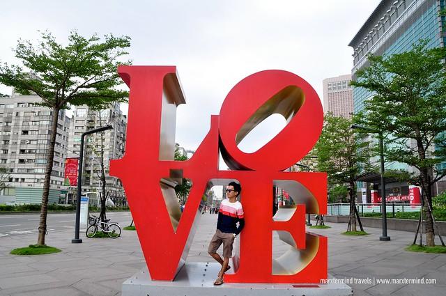 LOVE Taipei 101