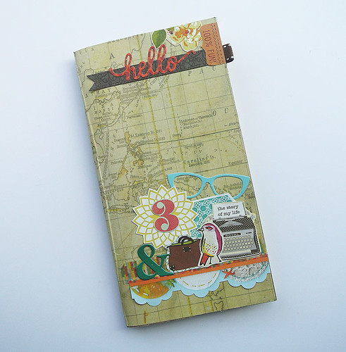 Using-my-paper-scraps-on-my-traveller's-notebook
