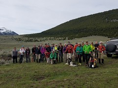 24 Eager Hikers at the trailhead