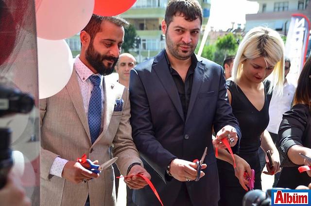 Kurdele kesimi Murat Tartar ve davetliler ile birlikte gerçekleştirildi.