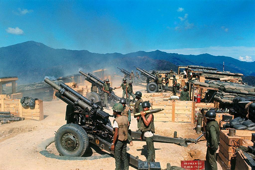 K 11 Gun Vietnam War 1970 - C&#...