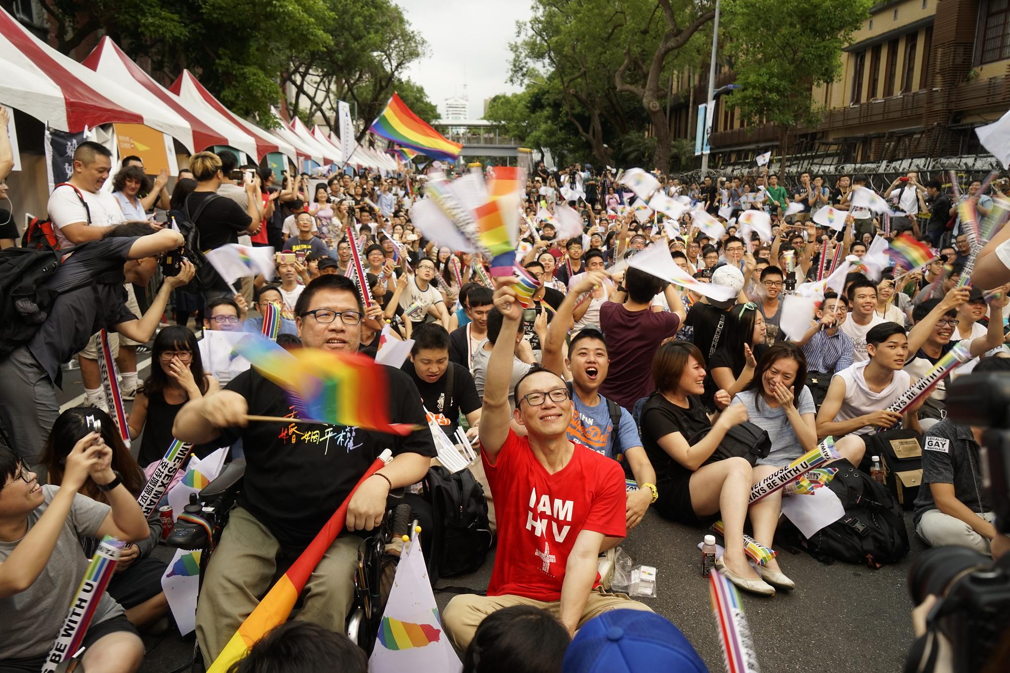 支持同婚合法化的民眾。(攝影:張宗坤)