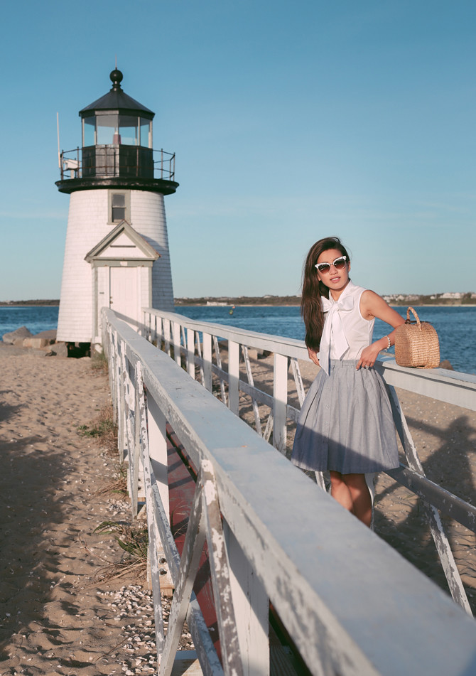 brant point lighthouse nantucket classy summer outfit