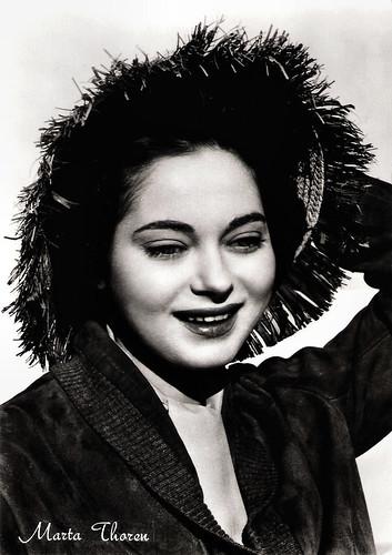Marta Toren in La puerta abierta (1957)