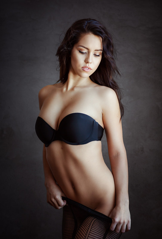 simple_boudoir_posing_8