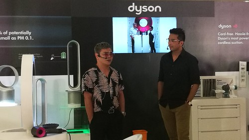 Celebrity hairstylist Jing Monis with host Bobby Yan at Dyson Supersonic hair dryer launch Chime Boutique Governor Sales Street Davao City IMG_20170526_170759