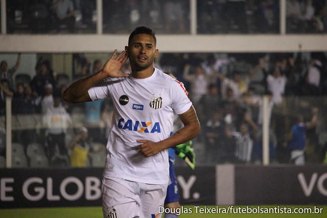 Kayke, atacante do Santos, comemora gol marcado diante do Palmeiras, na vitória do Peixe por 1 a 0, em partida válida pelo Brasileirão 2017