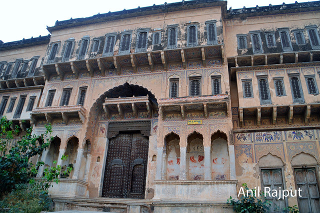 One of the abandond haveli at Churu