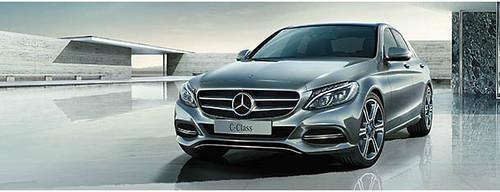 Náo động thị trường ô tô Việt Nam trong hai tháng cuối năm