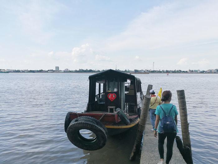 mekong-tour-boat | www.wearejuanderers.com
