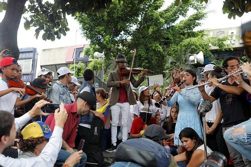 2017-06-04T173851Z_1535420010_RC1D253F9DD0_RTRMADP_3_VENEZUELA-POLITICS