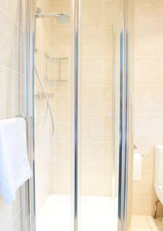 ケンジントンの激安宿のシャワー
