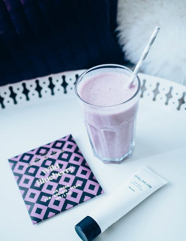 MustikkaSmoothieMustikkaSuklaaBalmuirRasvaP5267514.jpg, smoothie, healthy food, eatclean, mustikka suklaa, ihorasva, vartalorasva, balmuir,