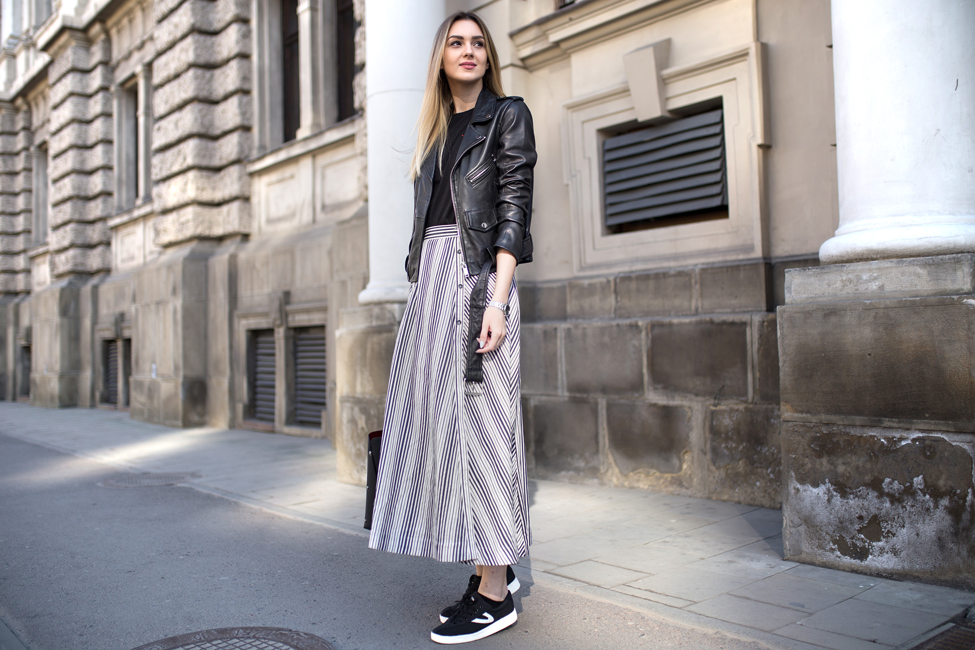 maxi-skirt-stripes-outfit