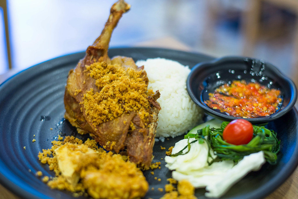 坦皮内斯餐厅:Bevwin备用bek Goreng Pak Ndut