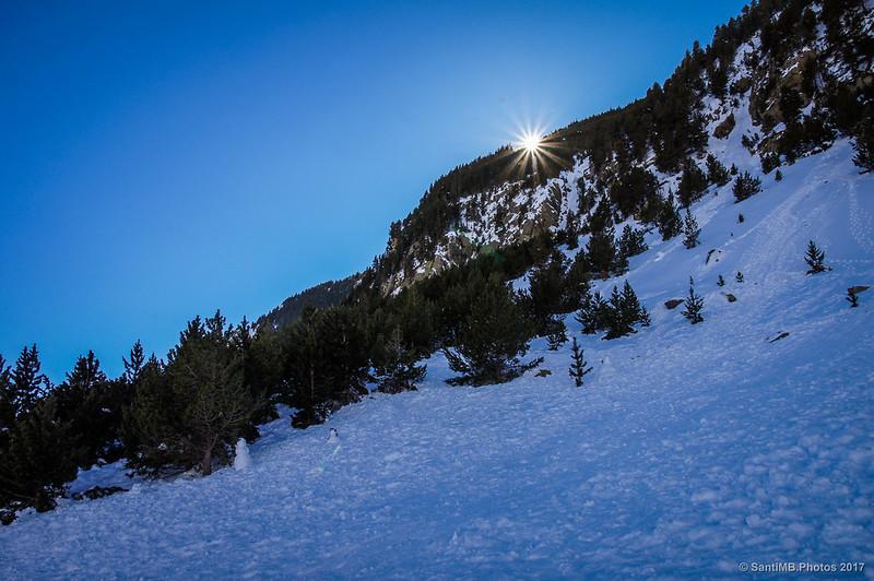 Puesta de sol a las 3 de la tarde en Núria en invierno