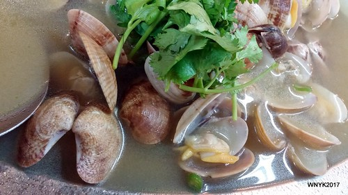 Clams in Superior Soup