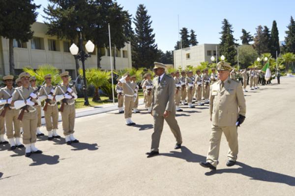 الجزائر : صلاحيات نائب وزير الدفاع الوطني - صفحة 14 34740539582_6b9549b737_o