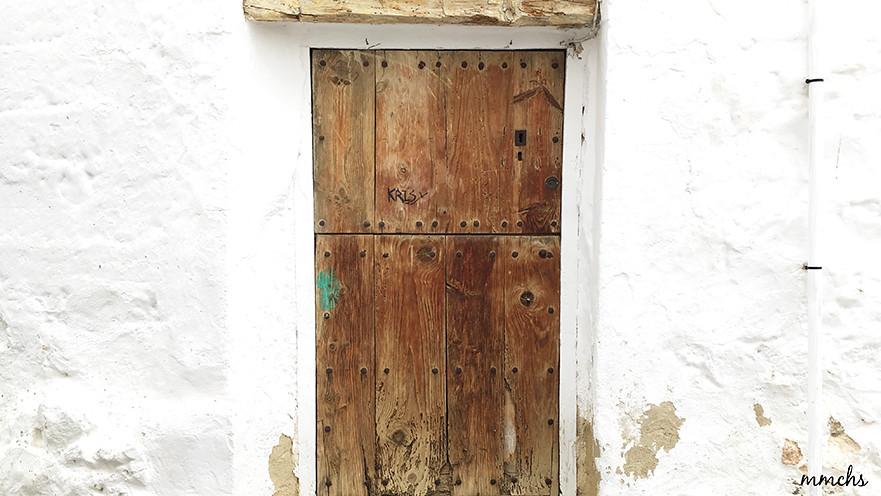 puertas bonitas de pueblo