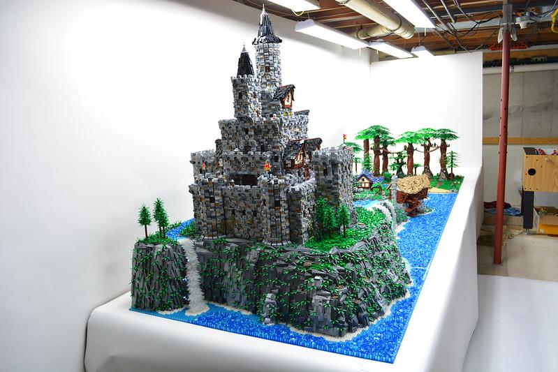 moc-huge robin hood diorama-custom lights - lego historic themes