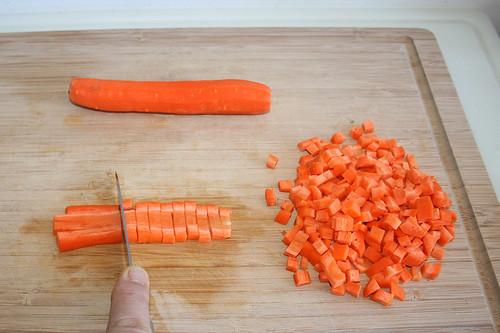 20 - Möhren würfeln / Dice carrots