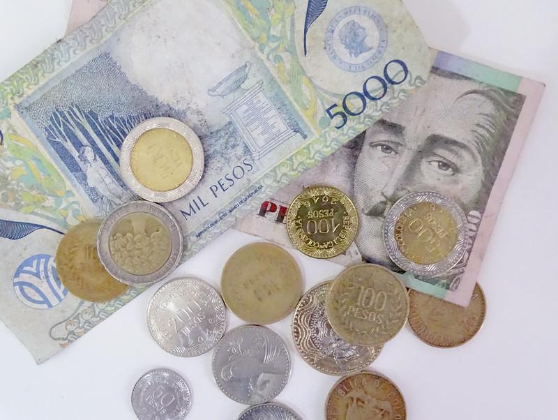 cédulas e moedas da colômbia