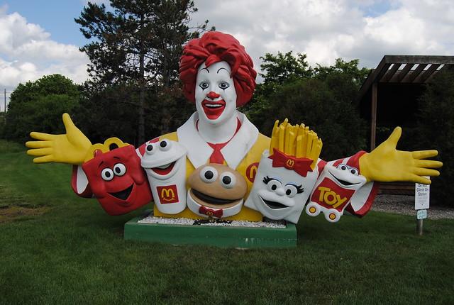 McDonald�0;0;27;s Characters Statue, Galena, Ohio