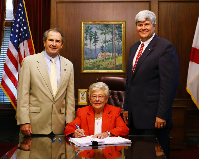 Gov. Ivey signs General Fund Budget