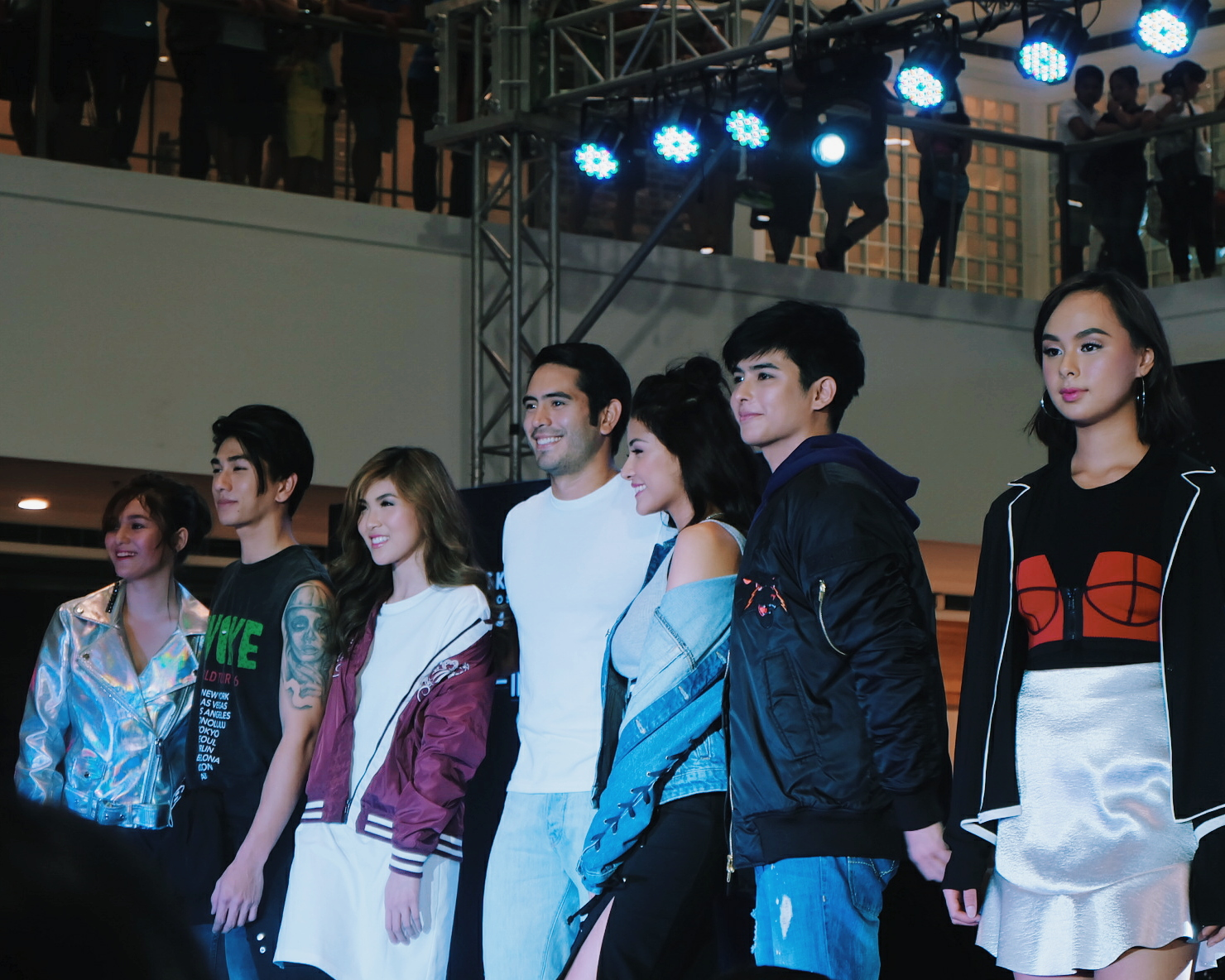 Skeckers Street featuring Gerald Anderson