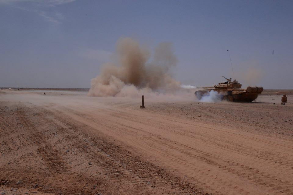 صور دبابات قتال رئيسية الجزائرية T-72M/M1/B/BK/AG/S ] Main Battle Tank Algerian ]   - صفحة 4 33979189154_a64b8df484_o