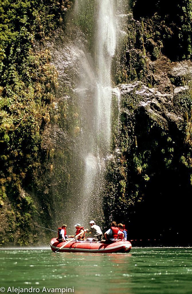 El Rio Palena tiene cascadas naturales de gran altura