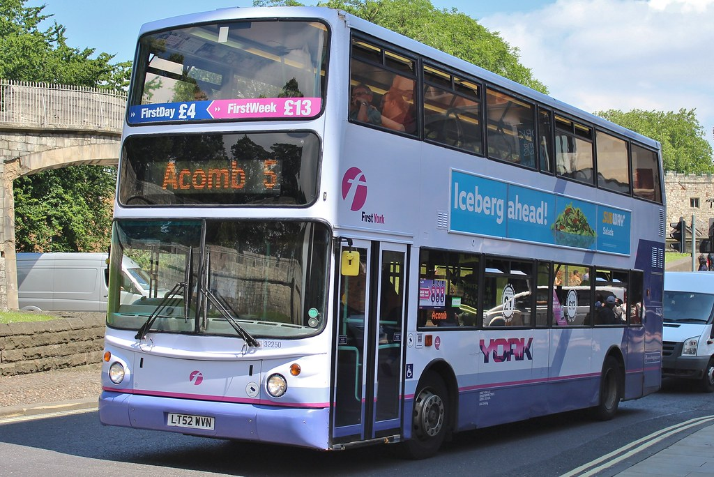 First York Volvo B7TL/Alexander ALX400 32250 (LT52 WVN) | Flickr
