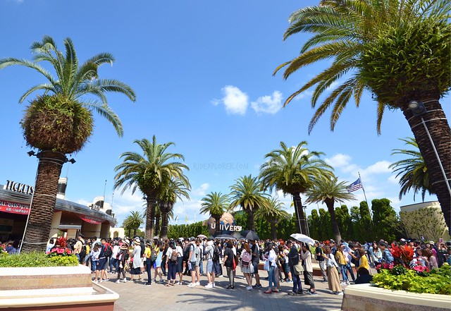 universal studios japan ticketing line